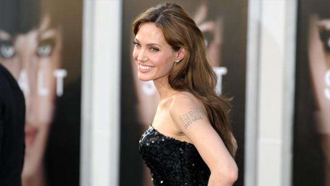 Angelina_Jolie_2010