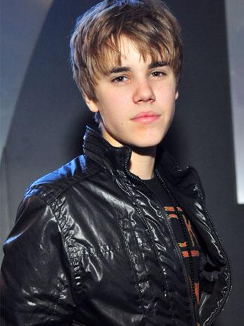 Justin Bieber - Bus Press Tour - December 2010