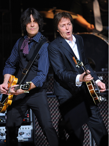 Paul McCartney - Plays the World Famous Apollo Theater - 2010