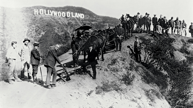 58 ENDPG Hollywood Sign small