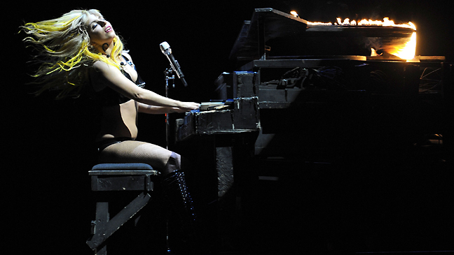 lady-gaga-yellow-stage-2011