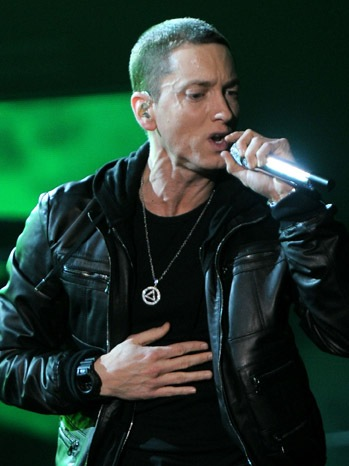 Eminem Wears Sobriety Necklace at Grammys | Hollywood Reporter