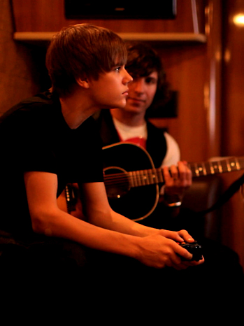 Justin Bieber Never Say Never Review 2011
