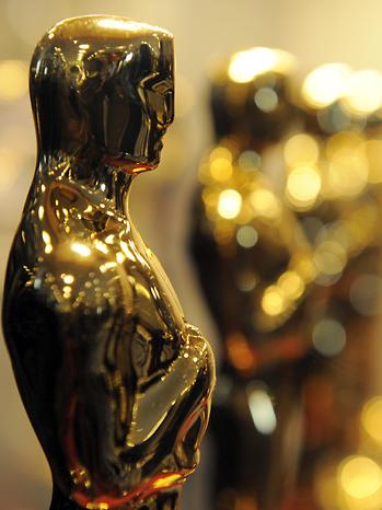 Oscar Statue Portrait 2011
