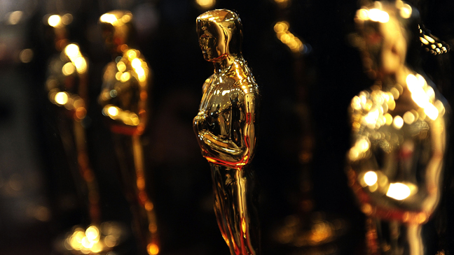 8 REP Oscar Statues (Extra photo)