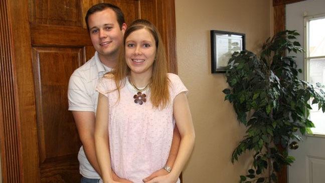 Josh & Anna Duggar - Family Picture - TLC