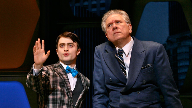How to Succeed in Business Without Really Trying - Daniel Radcliffe - John Larroquette - Theater Review