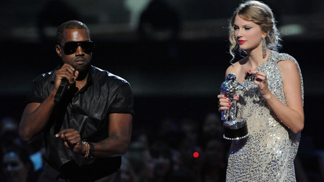 Kanye West, Taylor Swift - MTV VMA's - 2009