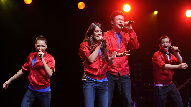 Glee Cast In Concert 2011