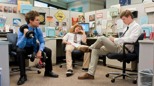 Workaholics - TV Still: Guys at Office - 2010