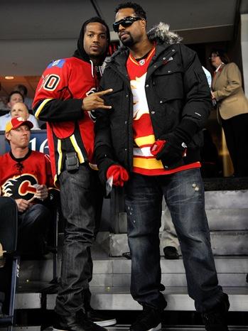 Marlon Wayans, Sean Wayans - Detroit Red Wings v Calgary Flames - 2010