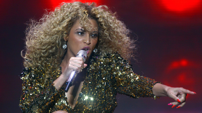 Beyonce Performance Glastonbury Festival U.K. 2011