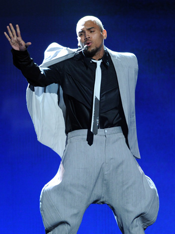 Chris Brown Performs BET Awards 2011