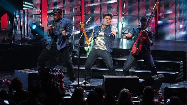 Bruno Mars Gibson Ampitheater 2011