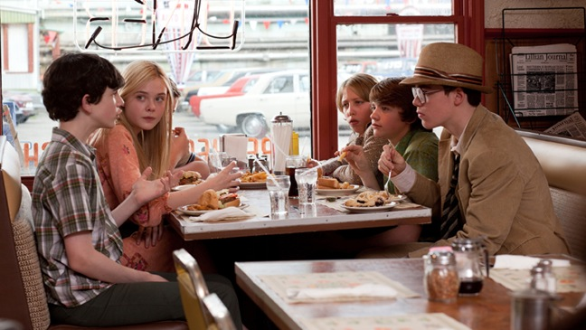 Super 8 - Movie Still: Group at Diner - 2011