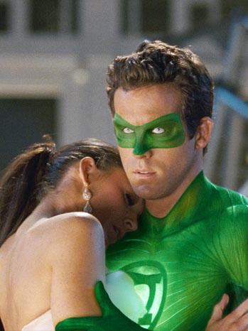 Green Lantern - Movie Still: Ryan Reynolds, Blake Lively - 2011