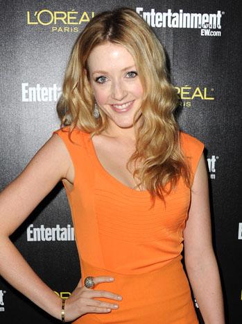 Jennifer Finnigan Headshot 2011