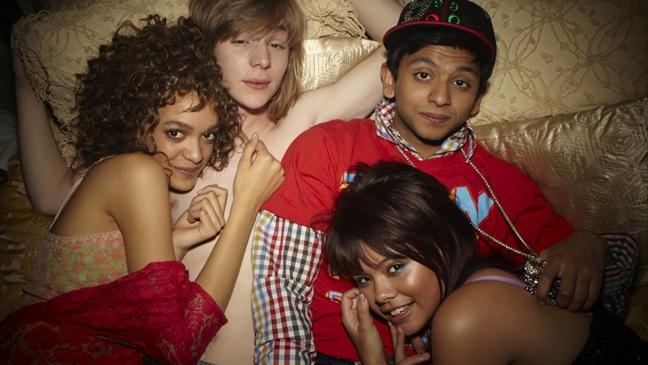 Skins - MTV - PR Image/Group in Bed - 2011