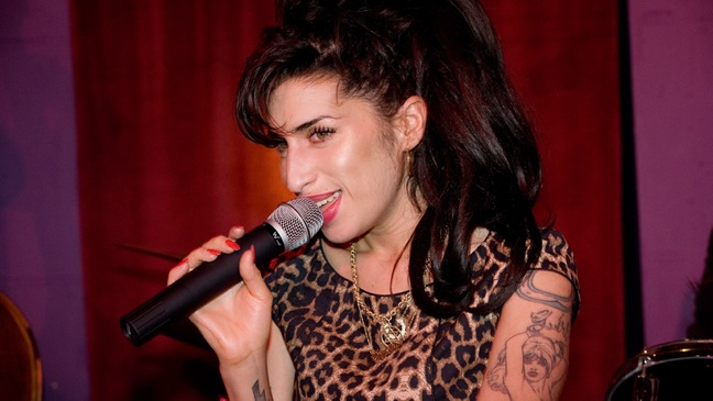 Amy Winehouse- City Burlesque Launch Party - H - 2010