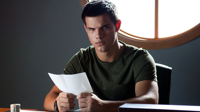 Taylor Lautner Abduction Table - H 2011
