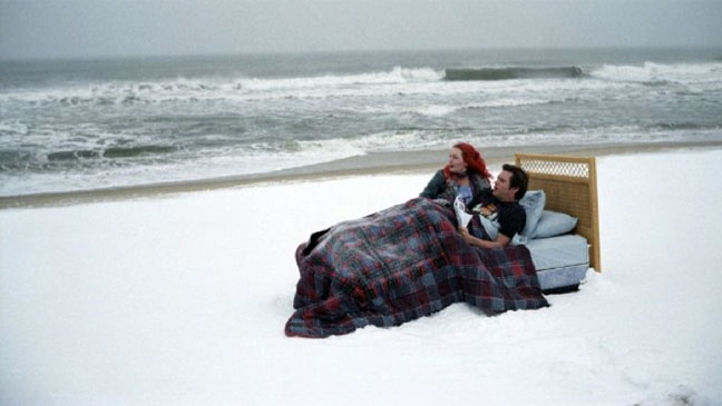 Eternal Sunshine of the Spotless Mind Bed Beach - H 2011