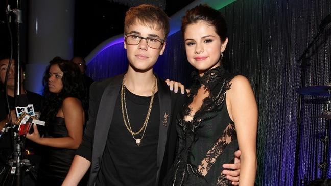 Justin Bieber, Selena Gomez - Video Music Awards - H - 2011