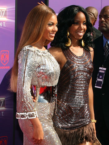 Beyonce Knowles and Kelly Rowland - P 2011