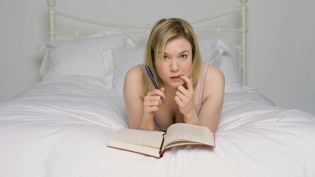 Renee Zellweger - Movie Still: Bridget Jones: The Edge of Reason - H - 2004