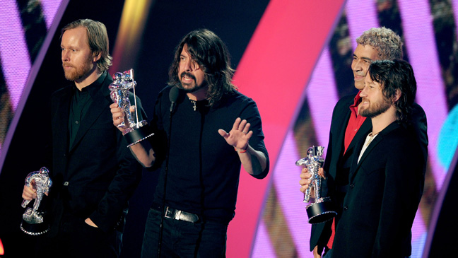Foo Fighters at MTV Video Music Awards - H 2011