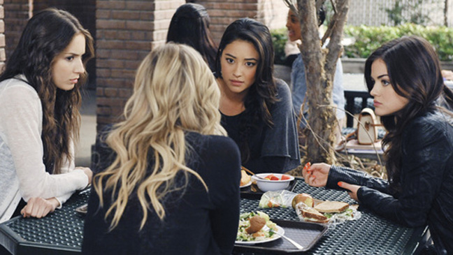 "Pretty Little Liars ""I Must Confess"" Episode - H 2011"