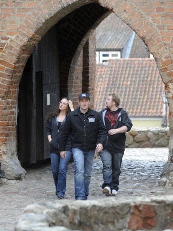 Ghost Hunters - TV Still: Kris Williams, Barry FitzGerald, Paul Bradford - P - 2010