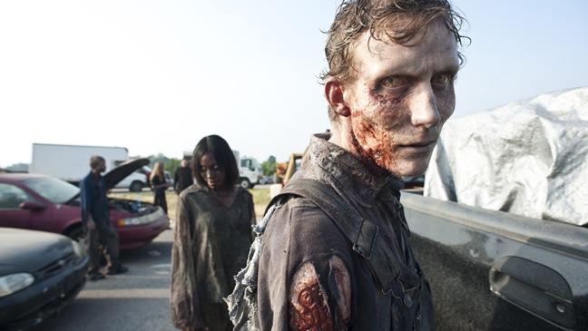 The Walking Dead - TV Still: Season 2, Episode 1 - H - 2011