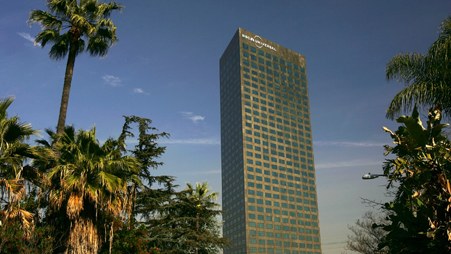 NBCUniversal Tower in University City - H 2011
