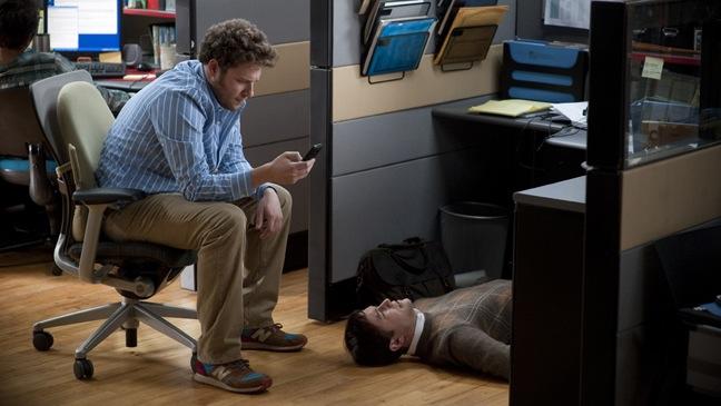 '50/50' - Movie Still: Joseph Gordon Levitt, Seth Rogen at Office - H - 2011