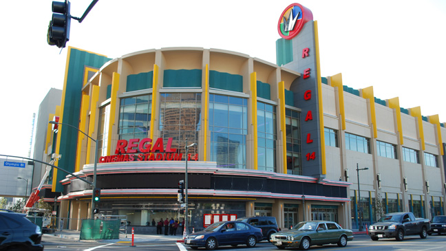 32 REP Premieres Regal Cinemas H