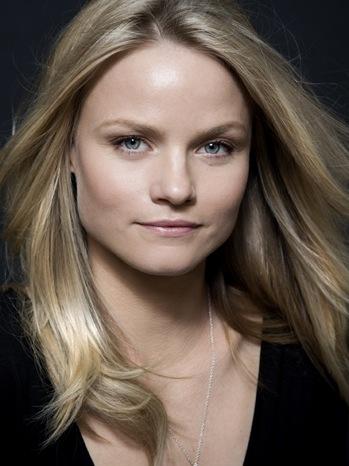 Lindsay Pulsiper - PR Head Shot - P - 2011
