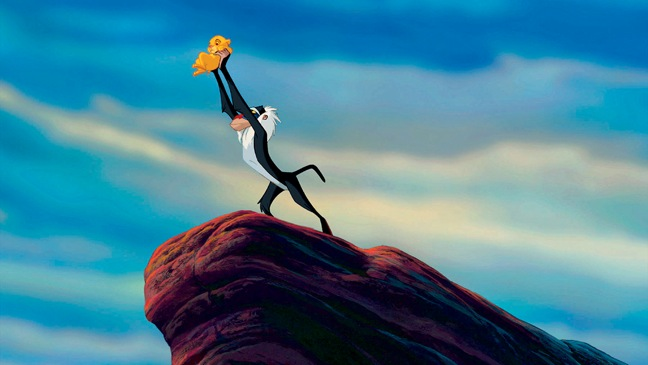 Lion King - Movie Still: Monkey holding Simba - H - 1994