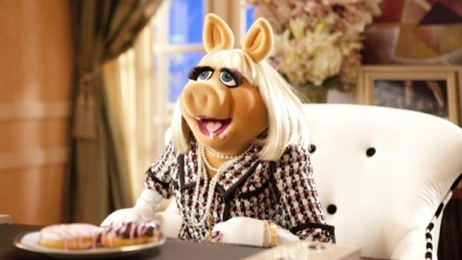 The Muppets - Movie Still: Miss Piggy - H - 2011