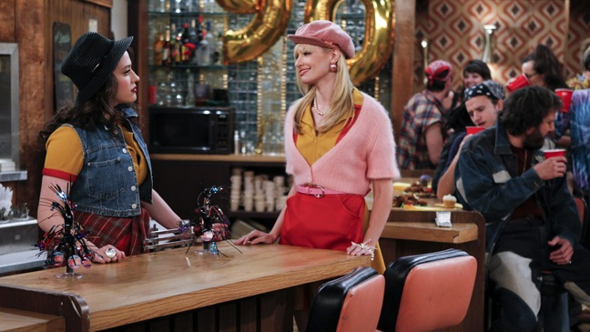 """2 Broke Girls - TV Still: """"And The 90's Horse Party"""" - H - 2011"""