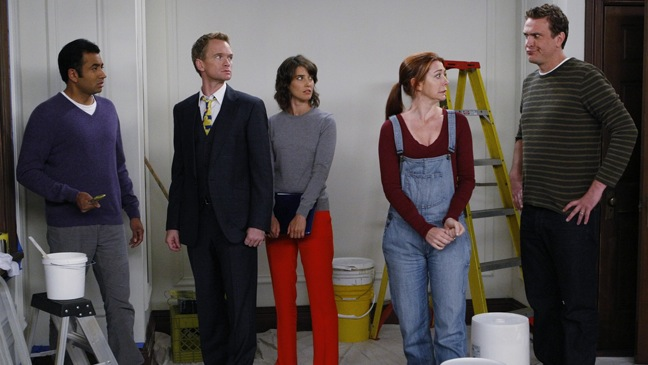 """How I Met Your Mother - TV Still: """"Mystery Vs. History"""" - Group - H - 2011"""