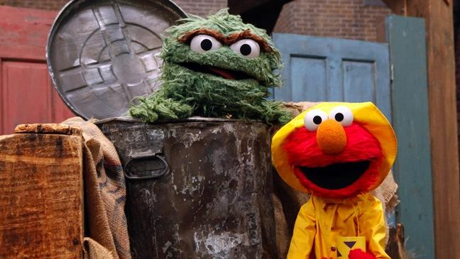 Sesame Street - Oscar the Grouch, Elmo - H - 2011