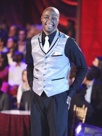 J.R. Martinez - TV Still: DWTS Episode 1301 - P - 2011