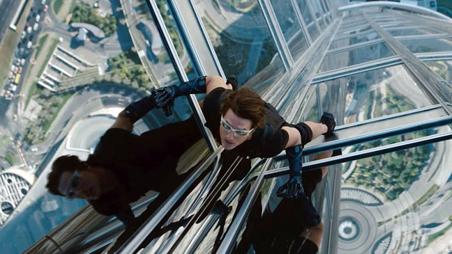 Mission Impossibe- Ghost Protocol - Tom Cruise Climbing Building - 2011 h