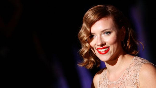 Scarlett Johansson Dolce & Gabbana Spring/Summer - H 2011