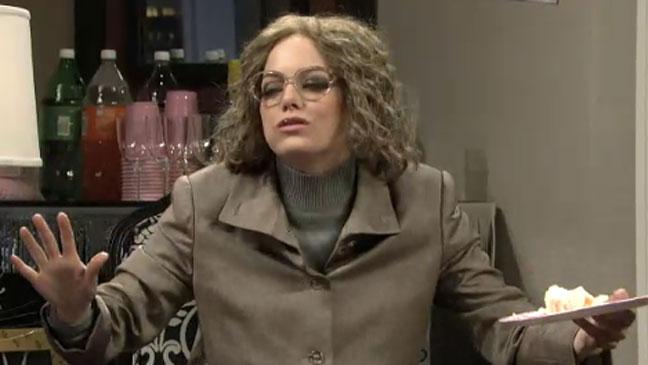 Emma Stone SNL Screengrab 111311 - H