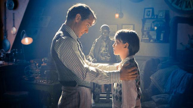 Hugo Film Still Paramount - H 2011