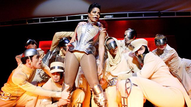 Janet Jackson - Essence Music Festival - 2010 H