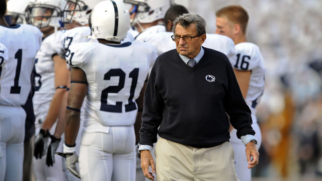 Joe Paterno Sidelines Penn State - H 2011