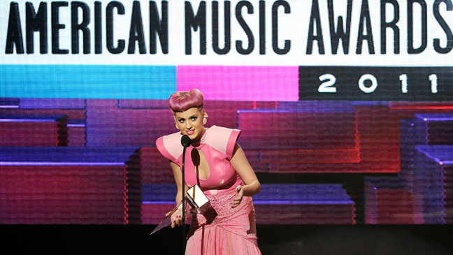 Katy Perry Winning AMA Award - H 2011