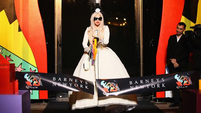 Lady Gaga Barneys Workshop New York - H 2011